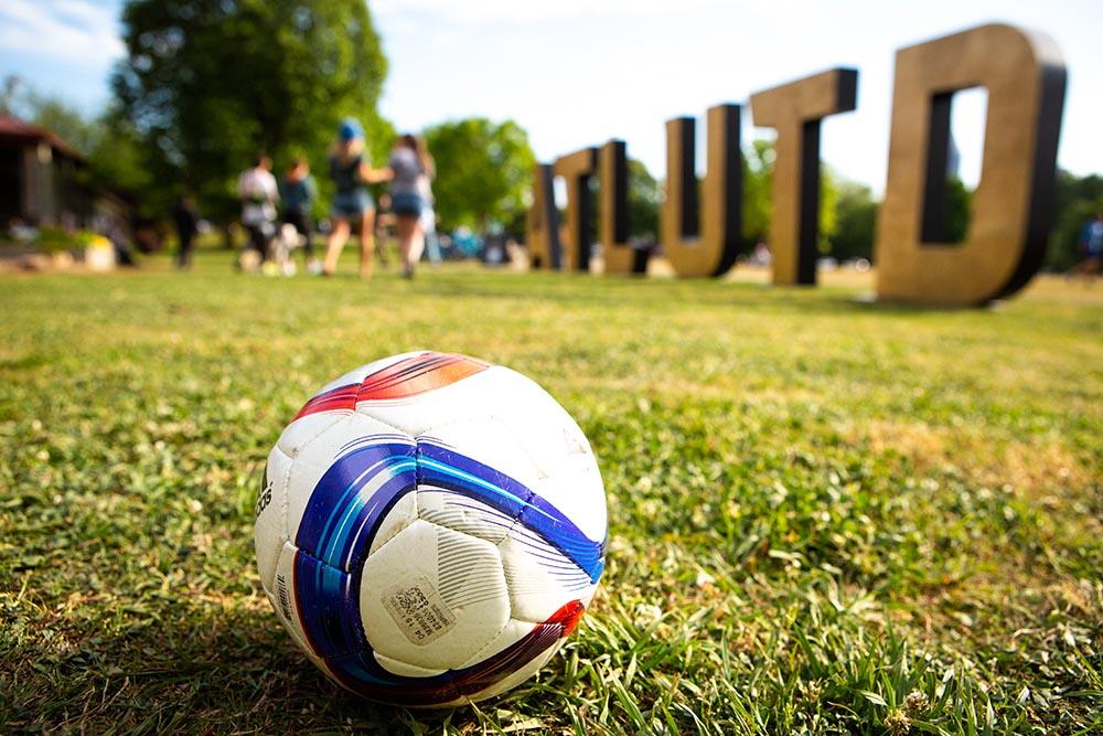 watch atlanta united games at the Park Tavern
