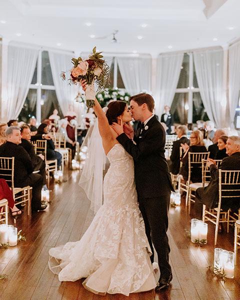 bride groom kissing in Piedmont Park