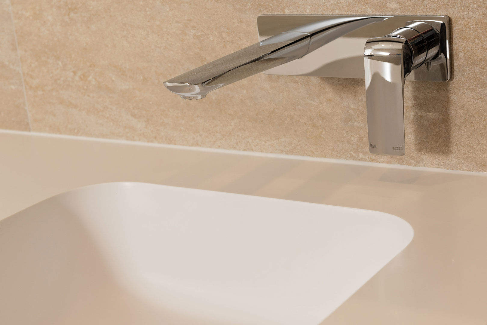 Corian integrated Serenity 75109 Sink, Milli: Glance Wall Basin Mixer Set