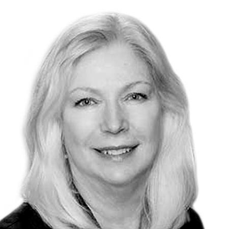 Linda Robertson Portrait
