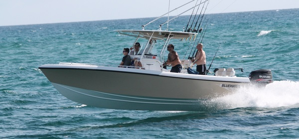 Bateau Bluewater Offshore 2550