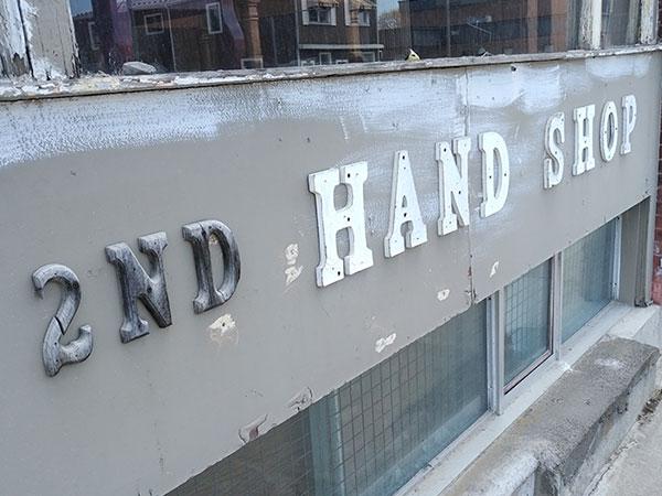 2nd hand shop sign